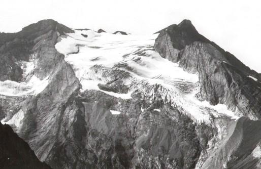 Glacier d'Ossoue depuis le col des Gentianes en 1911 (Photo Pierre René/DR)