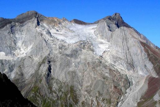 Glacier d'Ossoue (Vignemale) depuis col le des Gentianes en 2007. (Photo Pierre René/DR)