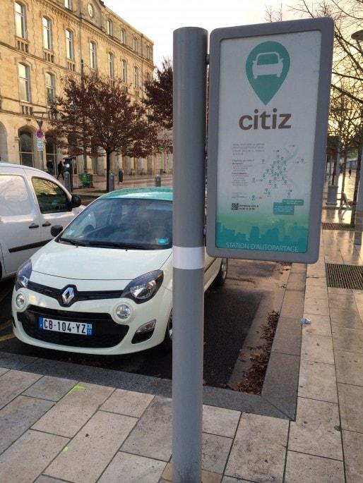 Pionnier de l'autopartage à Bordeaux, Citiz (ex Autocool) propose 51 véhicules à Bordeaux. (photo Stéphanie Pichon/Rue89 Bordeaux)