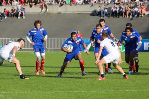 Demi de mêlée de l'équipe de France des moins de 20 ans, Baptiste Serin (à gauche sur la photo est un grand espoir de Bordeaux-Bègles (Photo C.Glemet/IRB/DR)