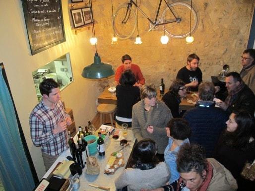 Le bar-restau Belle Campagne est ouvert le soir rue des Bahutiers, dans le quartier Saint-Pierre (photo SB/Rue89 Bordeaux)