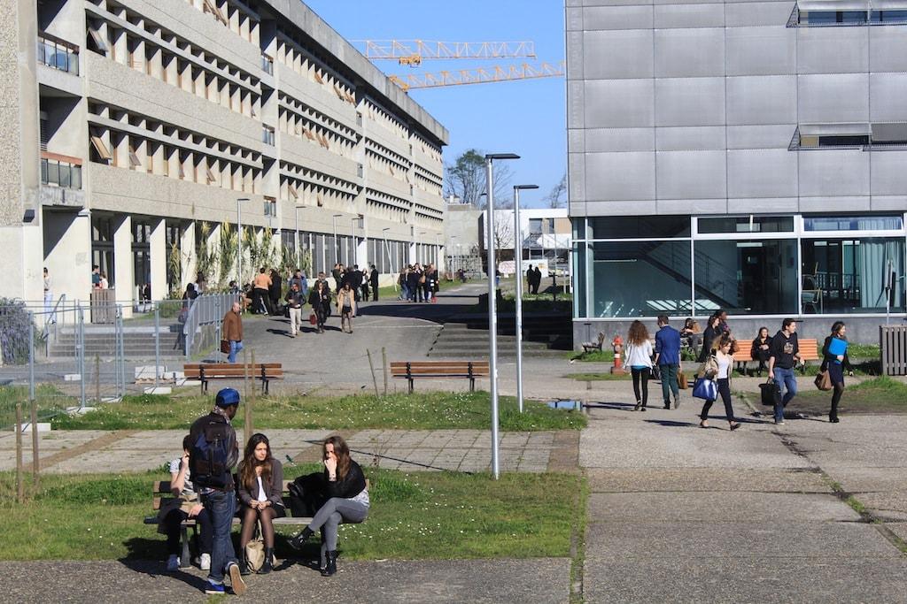 Calendrier Examens Bordeaux Montaigne.Universite De Bordeaux Le Burn Out Apres La Fusion