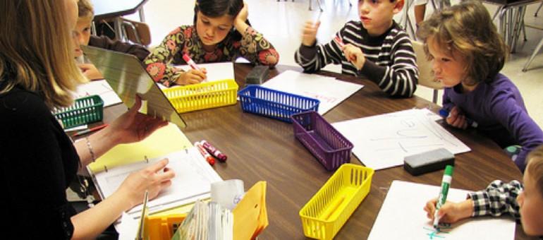 Rythmes scolaires : Alain Juppé fait un pas vers les parents