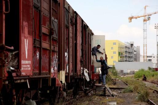 Les demandeurs d'asile Sahraouis s'entassent des wagons désaffectés dans le quartier Belcier (Marie Udu/Rue89 Bordeaux)