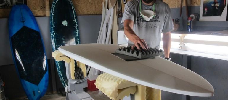 Artisans du surf, les shapers déferlent en Gironde