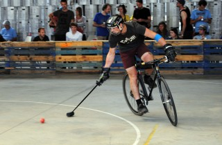 Un tournoi international de hardcourt bike-polo à Darwin le 23 et 24 septembre (WS/Rue89 Bordeaux)