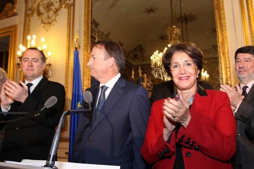 Jean-Pierre Bel, président du Sénat (au centre) et le questeur Alain Anziani (à droite). Déjà presque hors cadre, le sénateur girondin pourrait devoir se consacrer bientôt à Mérignac (Sénat/flickr/CC)