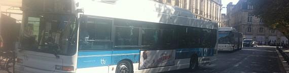 Un bus sur la place Gambetta (WS/Rue89 Bordeaux)