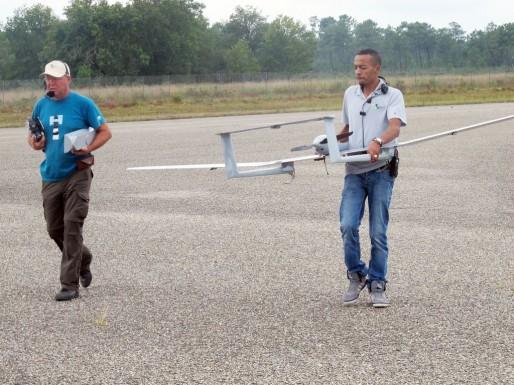 Le drone de Surveycopter après son vol d'essai (SB/Rue89 Bordeaux)