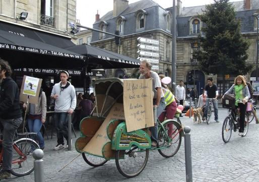 La Vélorution dans Bordeaux, samedi 11 octobre (Photo Agir pour le climat)