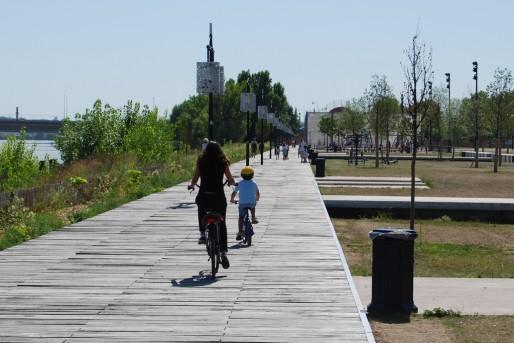 Les quais, un lieu de promenade qui a réconcilié les Bordelais avec leur fleuve (WS/Rue89 Bordeaux)