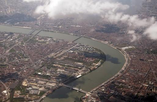 Brazza et Bastide-Niel, rive droite, les Bassins à Flot, rive gauche, accueilleront une bonne part des futurs Bordelais (Photo Grand Parc/flickr/CC)