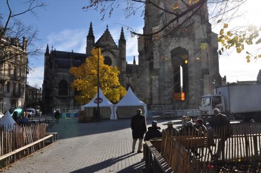 Novart s'installe ce samedi sur la Place Meynard dans le quartier Saint-Michel (Xavier Ridon/Rue89 Bordeaux)