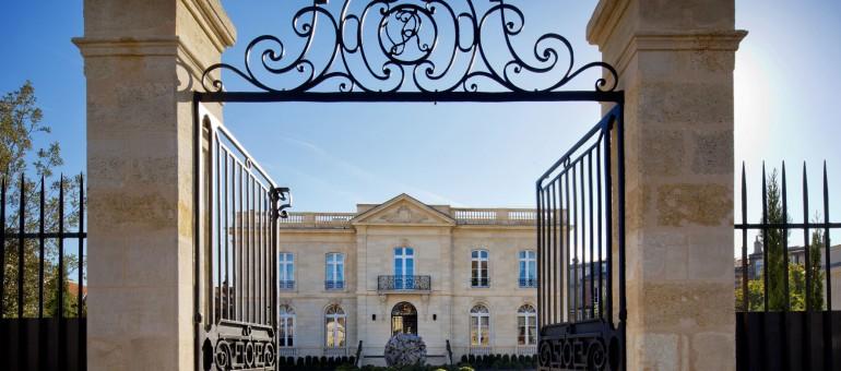 Joël Robuchon porte plainte pour diffamation