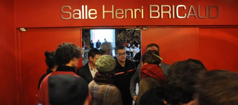 Contre le budget, les portes claquent à l'Université de Bordeaux