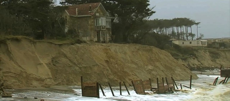 Erosion : battre en retraite devant l'ogre océan ?