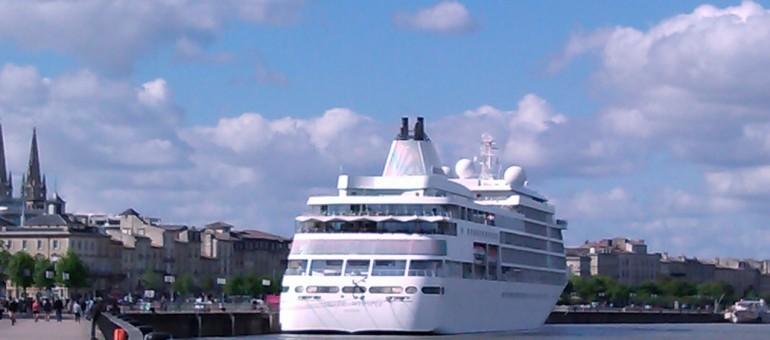 Les paquebots devront moins polluer pour accoster à Bordeaux