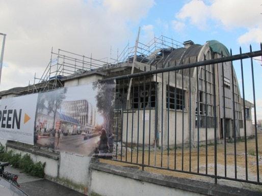 La halle Debat-Ponsan, quai de Paludate, sera partiellement reconvertie en commerces et bureaux (SB/Rue89 Bordeaux)