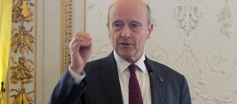 Alain Juppé appelle à «faire barrage» au FN