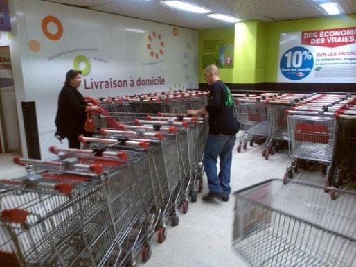31 jeunes bordelais bénéficient du dispositif Tapaj, et font des petits boulots payés à l'heure, comme ici à Auchan Mériadeck (DR)