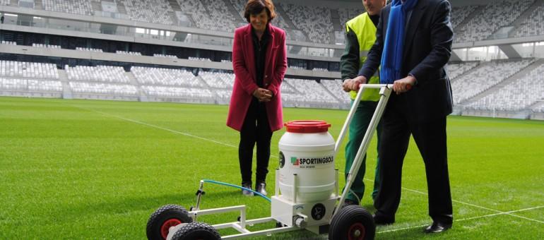 Alain Juppé trace la ligne de touche au Nouveau stade de Bordeaux
