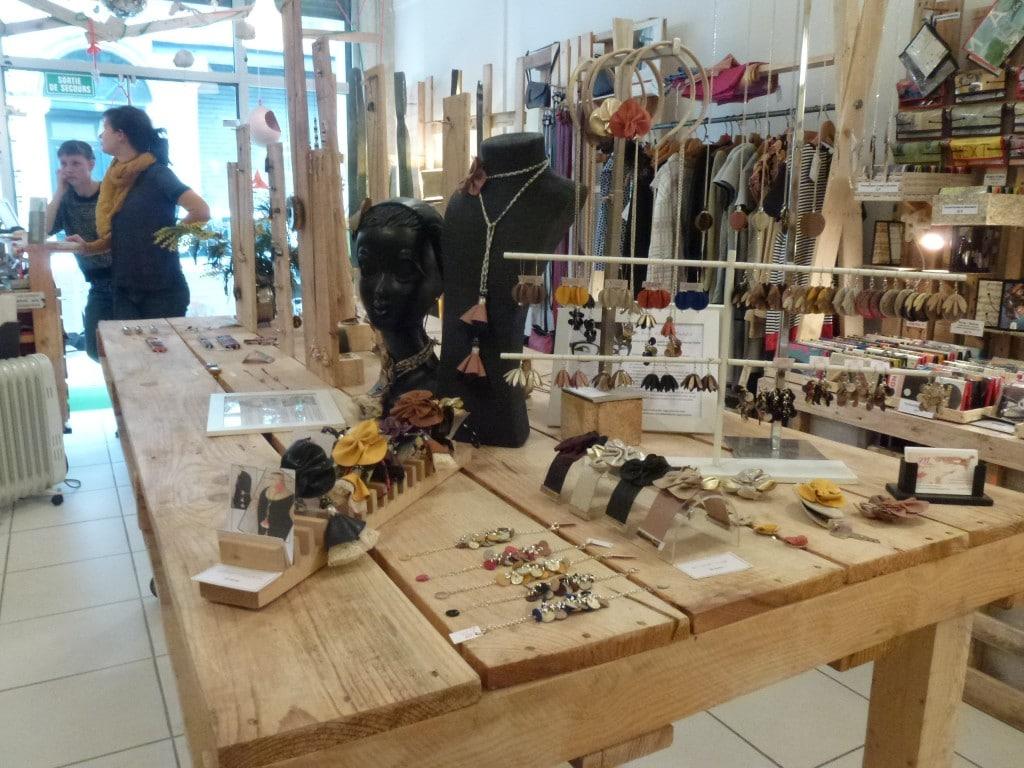 Les cr ateurs bordelais se donnent la main rue89 bordeaux for Atelier couture a bordeaux