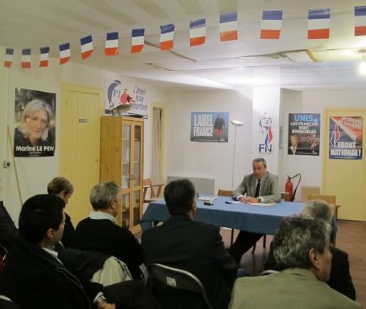 Conférence de presse de Jacques Colombier au local bordelais du FN (SB/Rue89 Bordeaux)