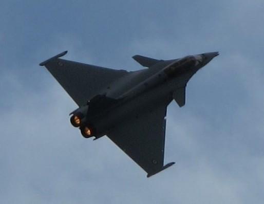 Vol d'un rafale au dessus de l'usine Dassault à Mérignac (SB/Rue89 Bordeaux)