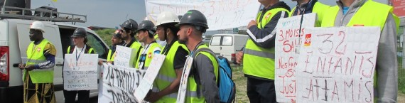 Manifestation des ouvriers de Wit &Ki devant le nouveau stade (SB/Rue89 Bordeaux)