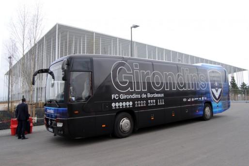 Les Girondins devant le Nouveau Stade de Bordeaux (WS/Rue89 Bordeaux)