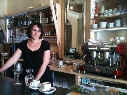 Sara Jane gérante du bar le Bourg-Joie (MO/Rue89 Bordeaux)