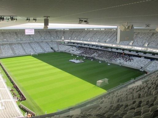 Avec 2000 invités pour 42000 places, le stade a sonné un peu creux (SB/Rue89 Bordeaux)