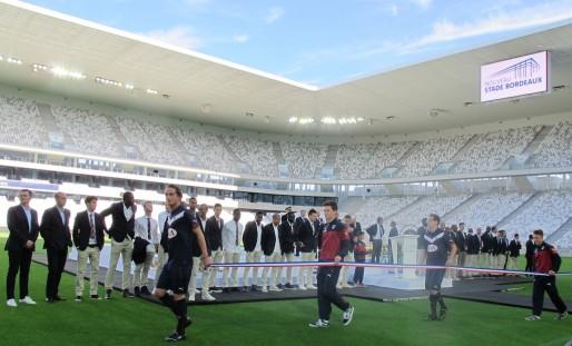 Entrée du ruban devant les joueurs des Girondins (SB/Rue89 Bordeaux)