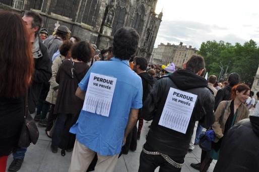 Une centaine de militants s'est rassemblée place Pey Berland à Bordeaux (Xavier Ridon/Rue89 Bordeaux)
