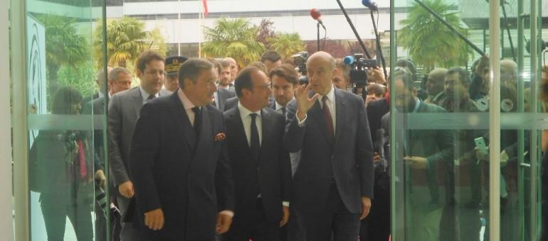 À Vinexpo, François Hollande défend «l'équilibre» de la loi Evin
