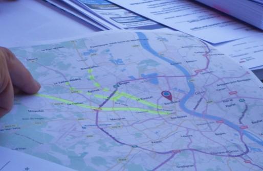 En bas, le tracé de la ligne E et au-dessus, la ligne D et les extensions proposées par Trans'Cub. (ML/Rue89 Bordeaux)