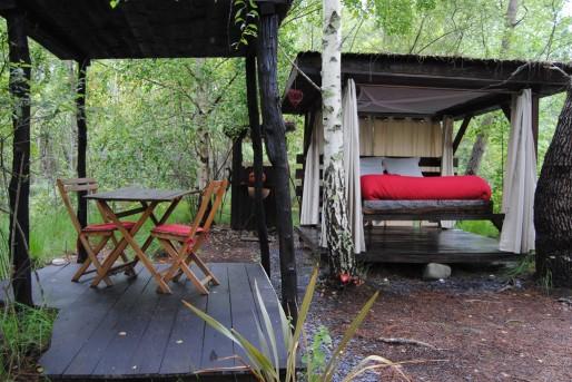 Cabane sur une île des Landines ouverte sur l'étang et la nature (WS/Rue89 Bordeaux)