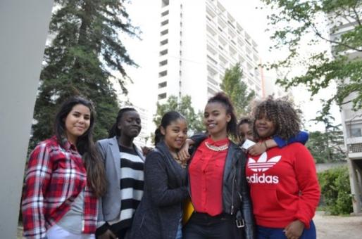 Harena, Karen, Carla, Alison, Malika et Myriam. Des jeunes des quartiers des Aubiers (MTN/Rue89 Bordeaux)