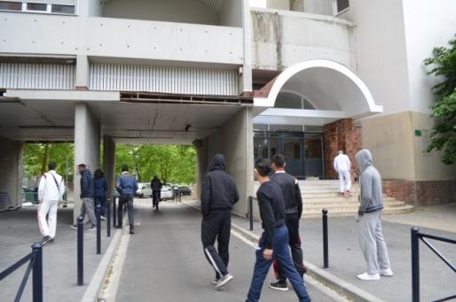 Soso, Yuyu, Fofana, Lucho Hakhak, Edhoss. Des jeunes du quartier des Aubiers (MTN/Rue89 Bordeaux)
