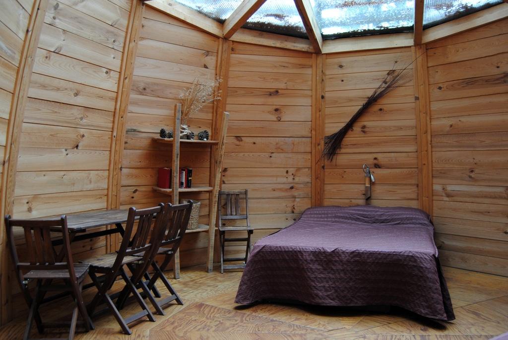 passez des nuits insolites au fond des bois rue89 bordeaux. Black Bedroom Furniture Sets. Home Design Ideas