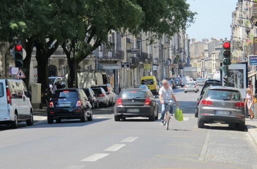 Rouler à contre-sens sur la bande cyclable de la rue Fondaudège (SB/Rue89 Bordeaux)