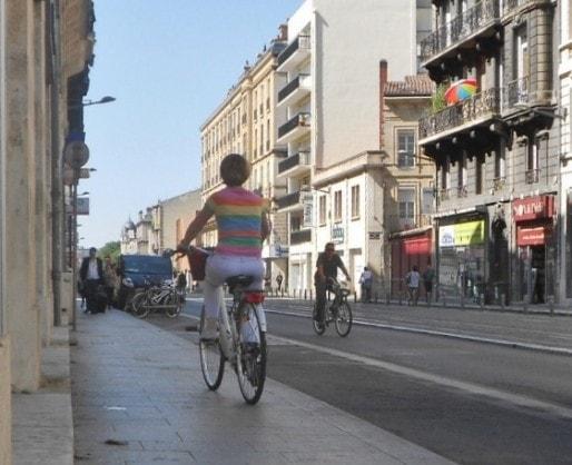 Rouler sur les trottoirs (ML/Rue89 Bordeaux)