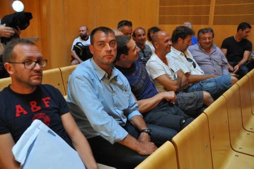 Les membres du comité d'entreprise au TGI de Bordeaux (Xavier Ridon/Rue89 Bordeaux)