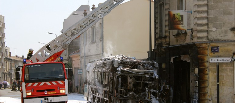 Un bus hybride TBC prend feu à Bordeaux