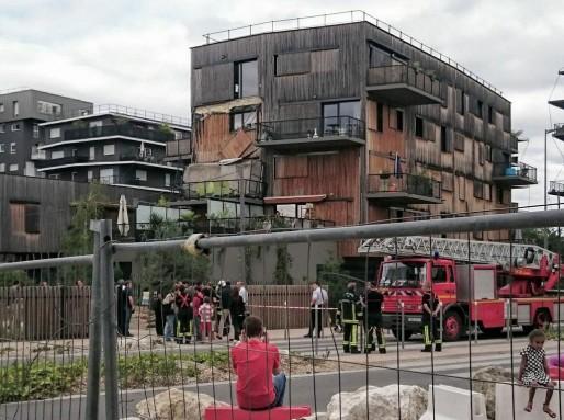 Un balcon s'est effondré ce mardi dans l'éco-quartier Ginko. (Benjamin Sarcy via Twitter)