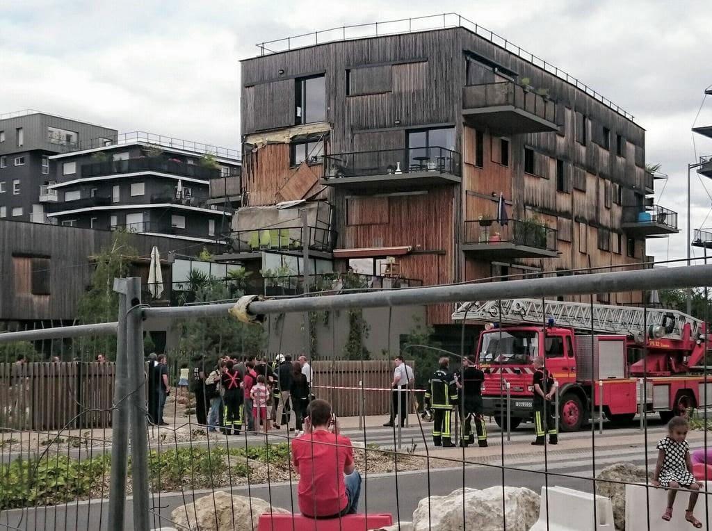 ginko le balcon s 39 effondre les r actions tombent rue89 bordeaux. Black Bedroom Furniture Sets. Home Design Ideas