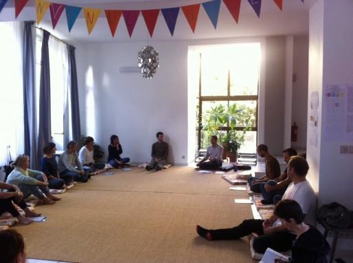 Stéphane Faure en séance de méditation au Social Club de Bordeaux (photo DR)