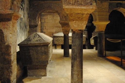 La crypte de Saint-Seurin et ses nombreux sarcophages monolithes (WS/Rue89 Bordeaux)