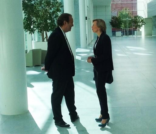 Xavier Niel et Virginie Calmels, avant la conférence du patron de Free (SB/Rue89 Bordeaux)