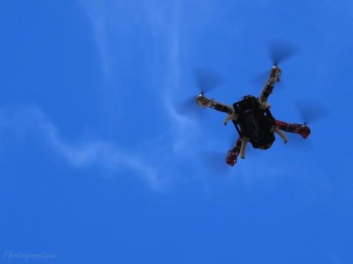 Drone en action ( PhOtOnQuAnTiQuE/flickr/CC)